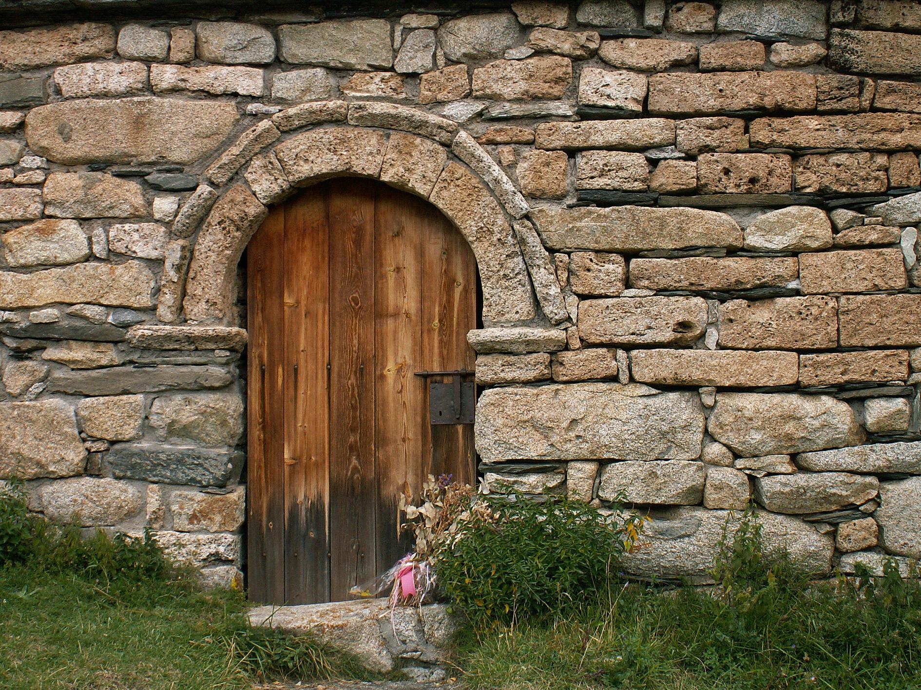 Te gusta lo r stico compra casa de acero y piedra - Tocar madera casas ...