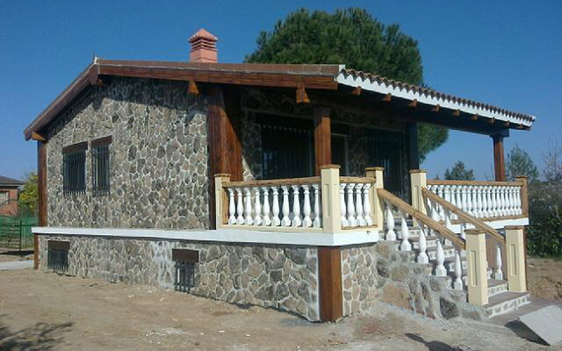 Casa de hormig n acero y piedra modelo madrid - Modelos de casas de piedra ...
